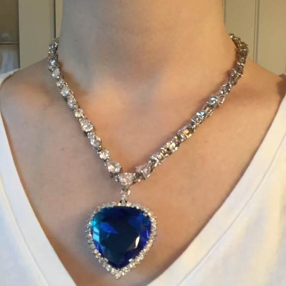 Jewelry - Titanic Heart of the Ocean Replica Necklace NWOT b8595c1f464a